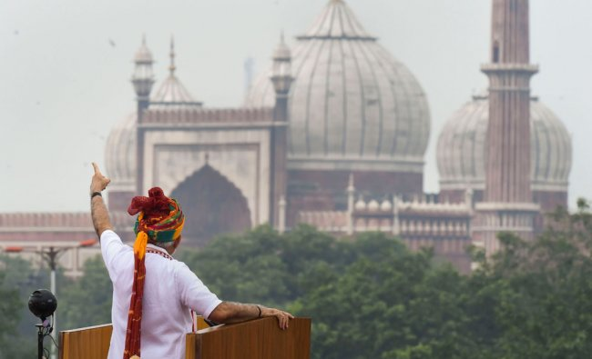 Prime Minister Narendra Modi gestures as he addresses the nation from the ramparts of the historic Red Fort on the occasion of 73rd Independence Day, in New Delhi (PTI Photo/Shahbaz Khan)