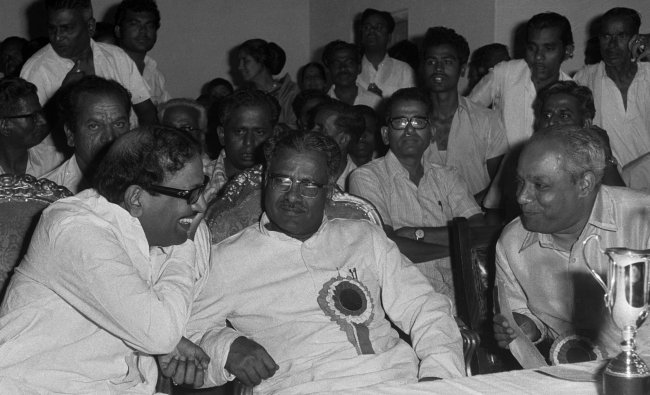 Then Tamil Nadu Chief Minister M Karunanadhi interacts with Revenue Minister N Huchhamasti Gowda and Mayor A K Anantakrishna at a function in Bangalore in 1973.