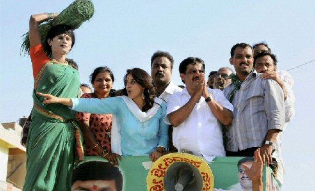 Actors Pooja Gandhi and Jameer Ahmed campaign for Udupi-Chikmagalur...