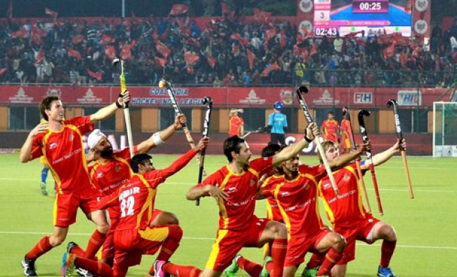 Ranchi Rays players celebrate a goal against Jaypee Punjab Warriors during HIL match at Astroturf..