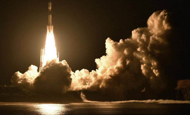 An H-2B rocket carrying the Kounotori 7 cargo spacecraft lifts off from Tanegashima Space Center in the southwestern Japan prefecture of Kagoshima, early Sunday, Sept. 23, 2018. The unmanned Japanese space capsule is heading to the International Space Station with 5,500 kilograms (12,000 pounds) of cargo including food, experiments and new batteries. AP/PTI