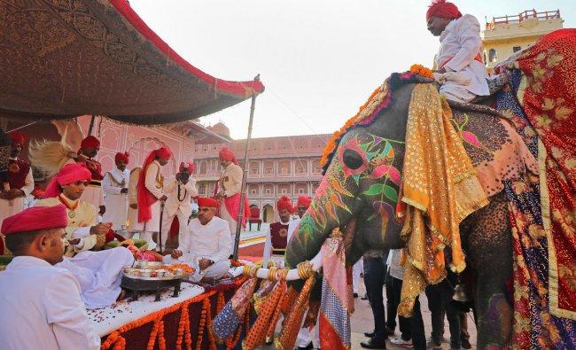 Former royal family member Maharaja Padmanabh Singh performs \'shastra puja\' (weapon worship) on the occasion of Vijayadashmi, at City Palace in Jaipur, Tuesday, Oct. 8, 2019. (PTI Photo)