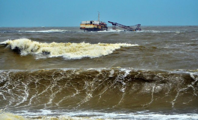 The wreckage of dredging barge \