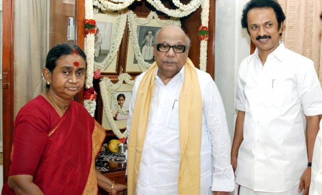 M Karunanidhi with his wife Dayalu Ammal and son M K Stalin.