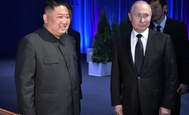 Russian President Vladimir Putin meets with North Korean leader Kim Jong Un at the Far Eastern Federal University campus on Russky island in the far-eastern Russian port of Vladivostok on April 25, 2019. (Photo by Alexey NIKOLSKY / SPUTNIK / AFP)