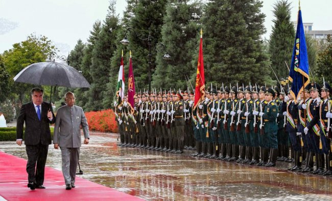 President Ram Nath Kovind with Tajik counterpart Emomali Rahmon inspects a guard of honour during his ceremonial welcome at Palace of Nation, Dushanbe, Tajikistan. (PTI photo)