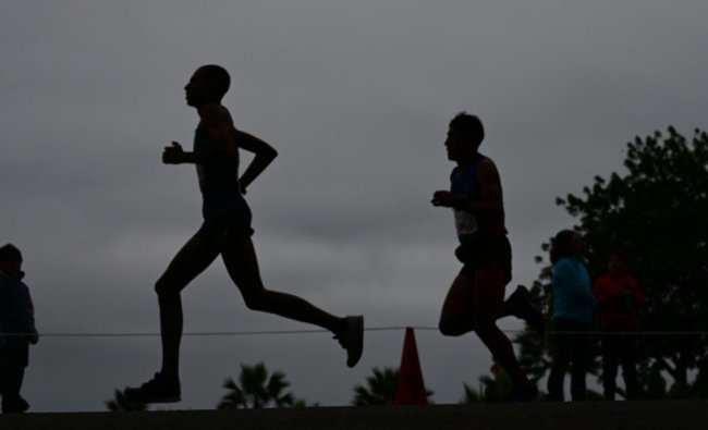 Athletes take part in the men\'s Marathon of the Pan-American Games Lima 2019 in Lima, Peru (AFP Photo)