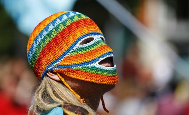 A performer takes part in the annual street parade, which is part of the Carnival of Cultures celebrating the multi-ethnic diversity of the city, in Berlin, Germany. Reuters Photo