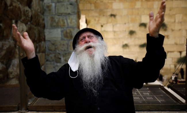 Jews mark Tisha B\'Av commemoration of destruction of First and Second Temples, amid the coronavirus disease outbreak, in Jerusalem. Credit: Reuters Photo