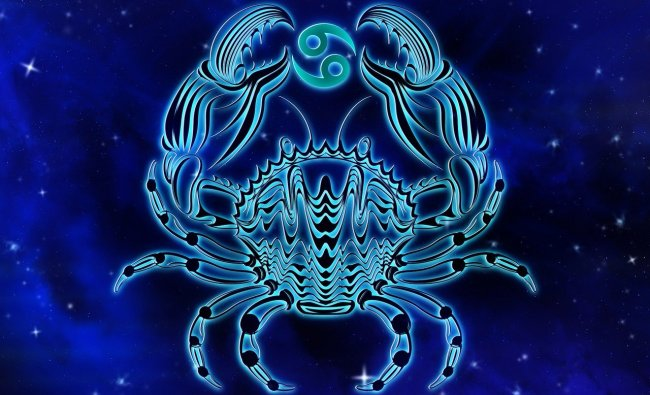Cancer | Important faces are around today that can help you make the most of current situations. Capitalise on your love life which seems to be on a high. A big shift in career plans likely. Lucky Colour:Indigo. Lucky Number: 8
