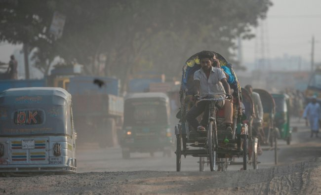 Bangladesh tops the list of most polluted country in the world. It has an average PM2.5 concentration of 83.30. Credit: AFP Photo