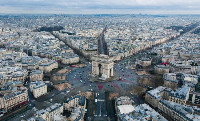 France: It has an EPI score of 83.95, making it the fifth cleanest country in the world. Credit: Unsplash/Rodrigo Kugnharski