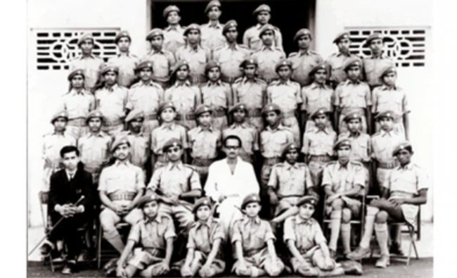 A rare group photo of Narendra Modi with RSS workers. Credit: NaMo App