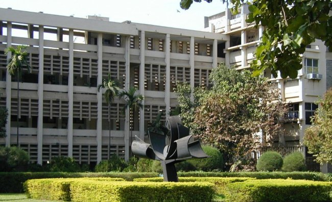 IIT Bombay is on top amongst the Indian institutions in the QS Graduate Employability Rankings 2022. It has been placed in the 101-110 ranks category. Credit: www.iitb.ac.in