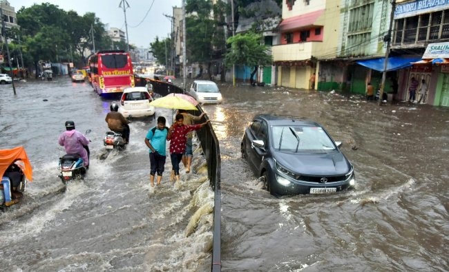 Heavy rains triggered by cyclone Gulab pounded several parts of Telangana, the India Meteorological Department (IMD) also issued warning that heavy rains are expected at isolated places in different districts of the State over the next 48 hours. Credit: PTI Photo