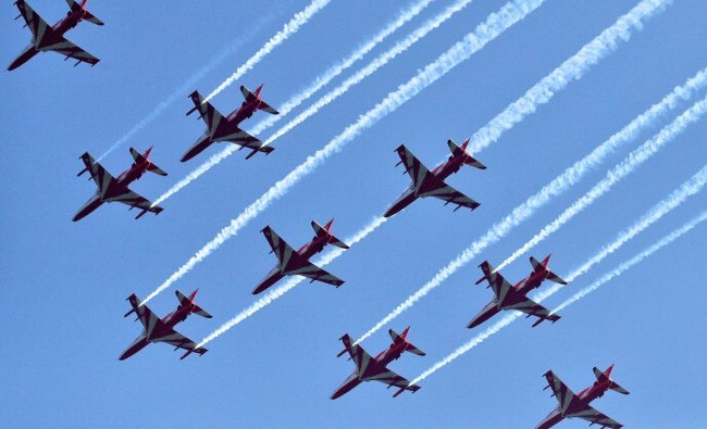 IAF conducts air show in Srinagar after 14 years — See pictures