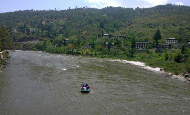River rafting at the Mo Chhu River in Punakha