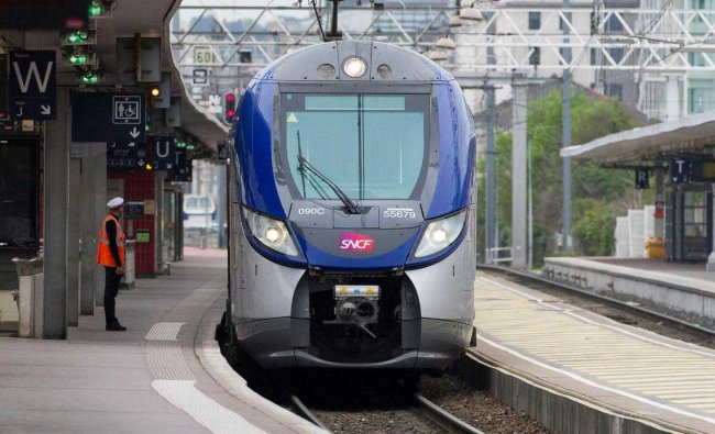 A train start at the station Lyon Part Dieu on the fourth day of a nationwide strike by French SNCF railway workers in Lyon France. Reuters Photo