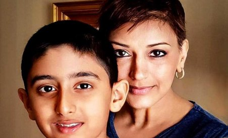Actor Sonali Bendre and her son Ranveer. (Image courtesy Twitter)