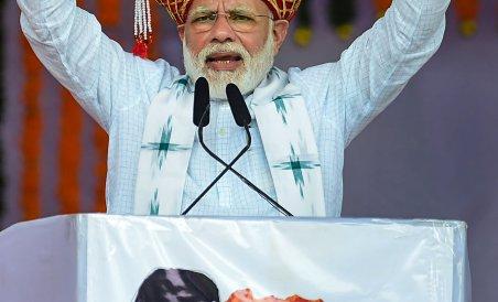 Modi takes potshots at Sharad Pawar over Pak remarks