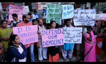 Bengalureans protest detention of activists