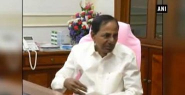 Finance Commission should leverage Indian economy: KCR