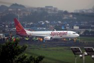 Sources in SpiceJet said the new pre-booking charges for 5, 10, 15, 20 and 30 kg in domestic sector are Rs 1,600; Rs 3,200; Rs 4,800; Rs 6,400 and Rs 9,600, respectively. REUTERS file Photo