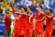 Young England roar into semifinals