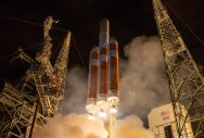 Nasa's daring probe to 'touch sun' lifts off
