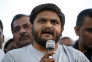 Hardik gets Cong support on indefinite fast