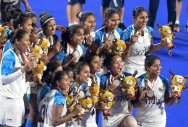 Gold medal eludes women too
