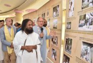 Youth find it fashionable to lose temper, says Sri Sri