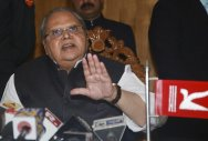 J&K guv fears transfer after controversial remark