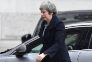May to address MPs amid reports of delayed Brexit vote