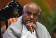 Modi's nature is to play to gallery: Deve Gowda