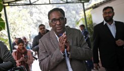 Justice Chelameswar shares dias with CJI on last working date