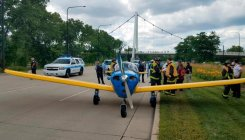 Small plane lands on Chicago's busy Lake Shore Drive