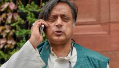 Sunanda death: Police hands over documents to Tharoor