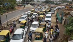Okalipuram corridor: no ease for jams at peak hour