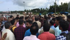 Samiti, bus drivers protest toll collection at Hejamady