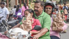 Mayor gives eco-friendly Ganesha idols to the public
