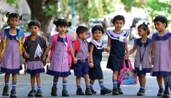 Private schools oppose 'no bag day' proposal