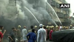 Fire rages on at Kolkata's Bagree Market