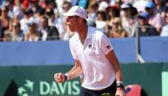 Querrey fightback keeps US hopes alive