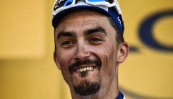 Alaphilippe claims 16th stage