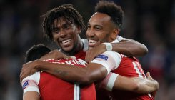 Aubameyang shines as Arsenal begin with win