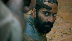 Varathan movie review: Shoot the peeping tom!