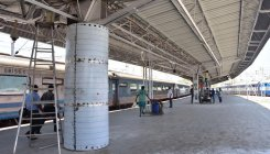 Railways to allow IRCTC food stalls on platforms