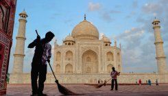 Taj vision document: SC gives UP time till Nov 15