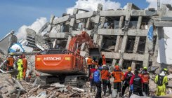 Indonesia clamps down on looting as toll tops 1,200